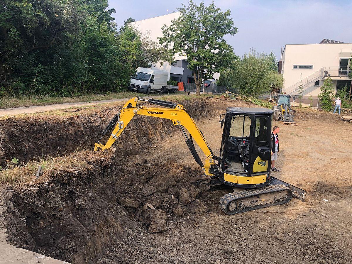 Pozemní práce