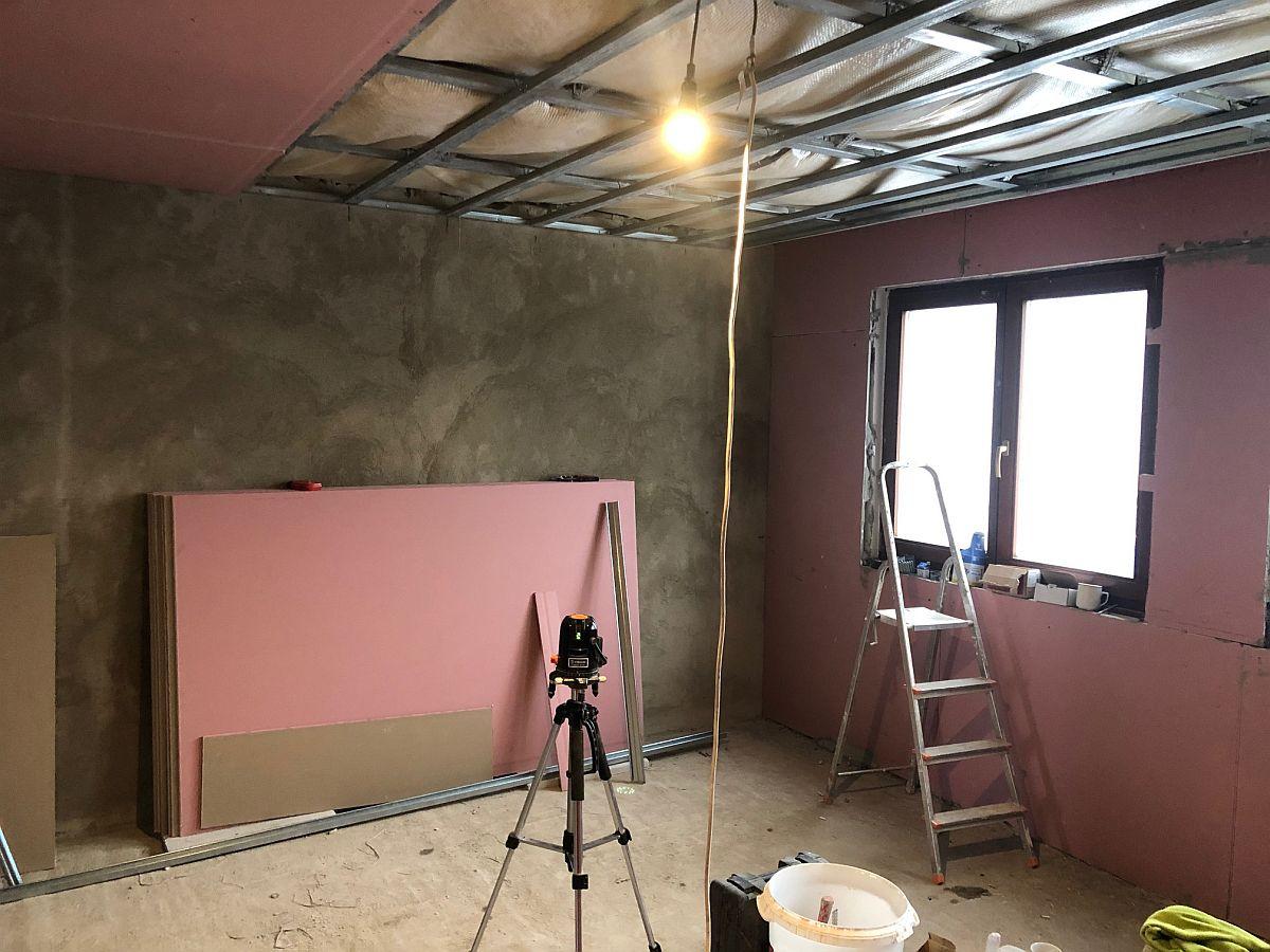 Práce na konstrukci stropu