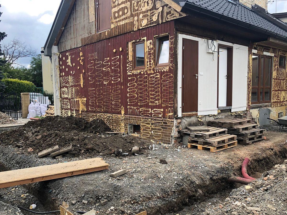 Dostavba domu Praha 10 - průběh
