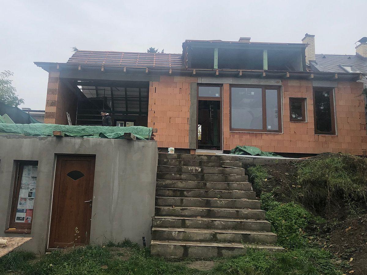 Dostavba domu Praha 10 - říjen 2019