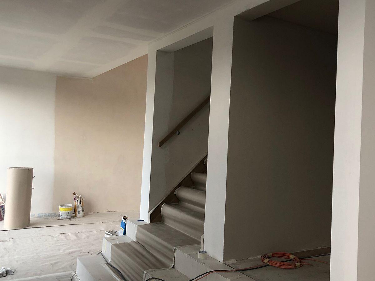 Vnitřní omítky u schodiště