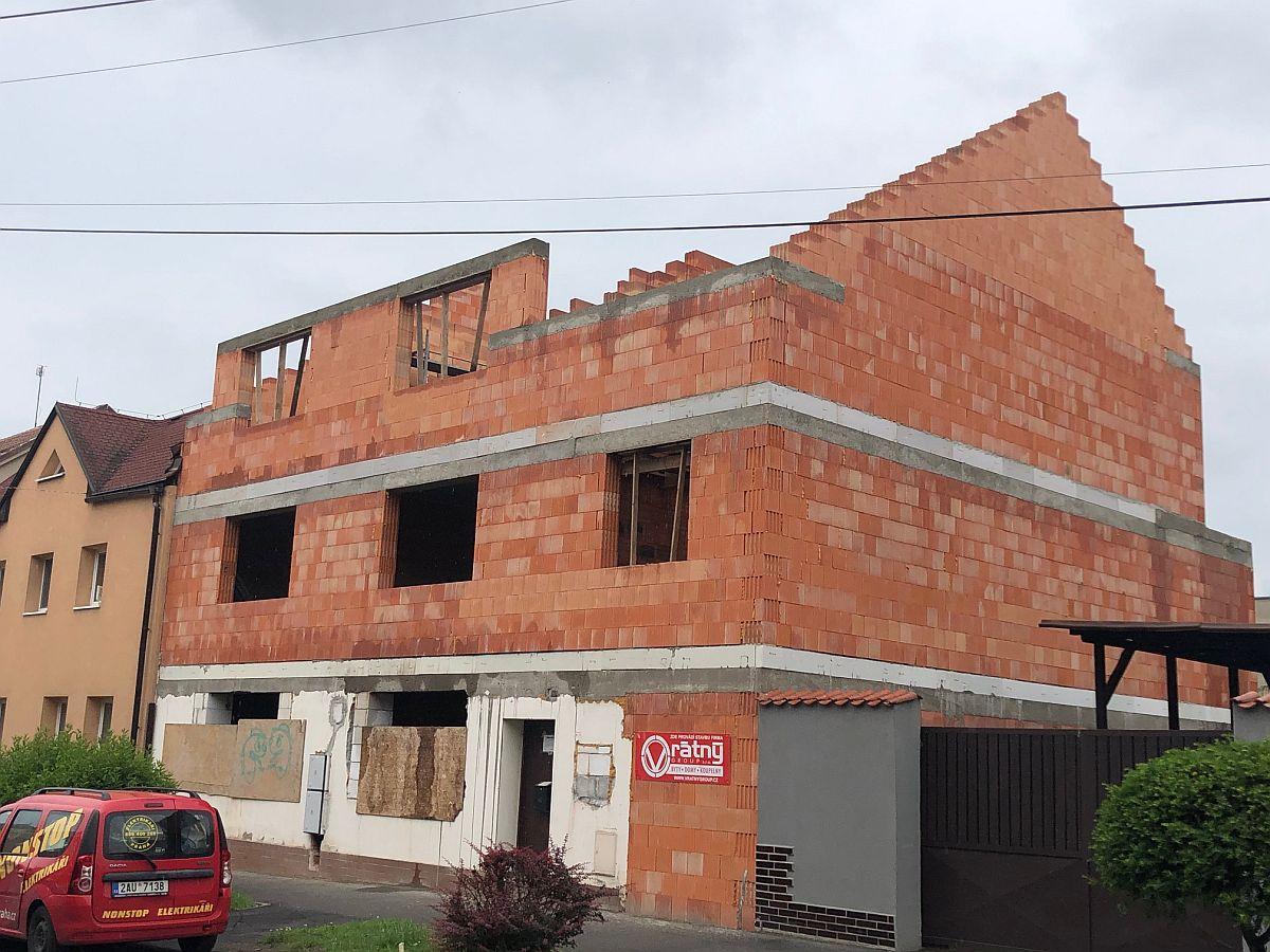 Stavba připravena na dokončení střechy