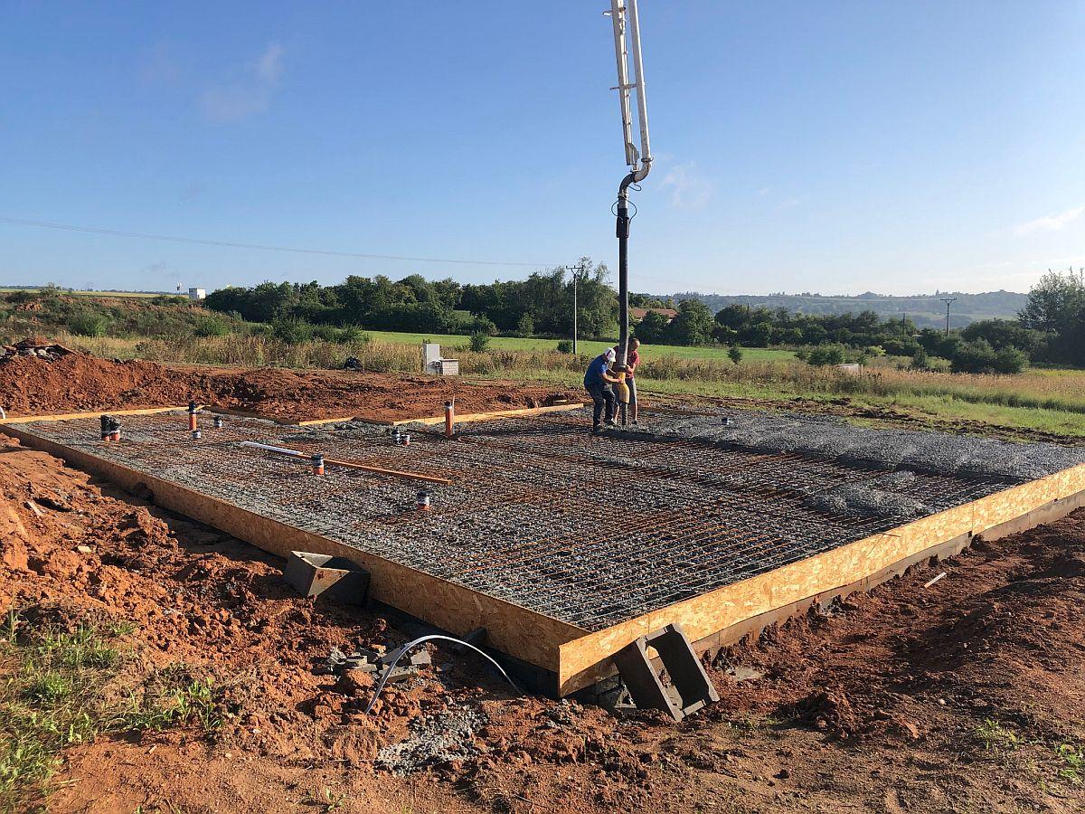 Betonování základové desky
