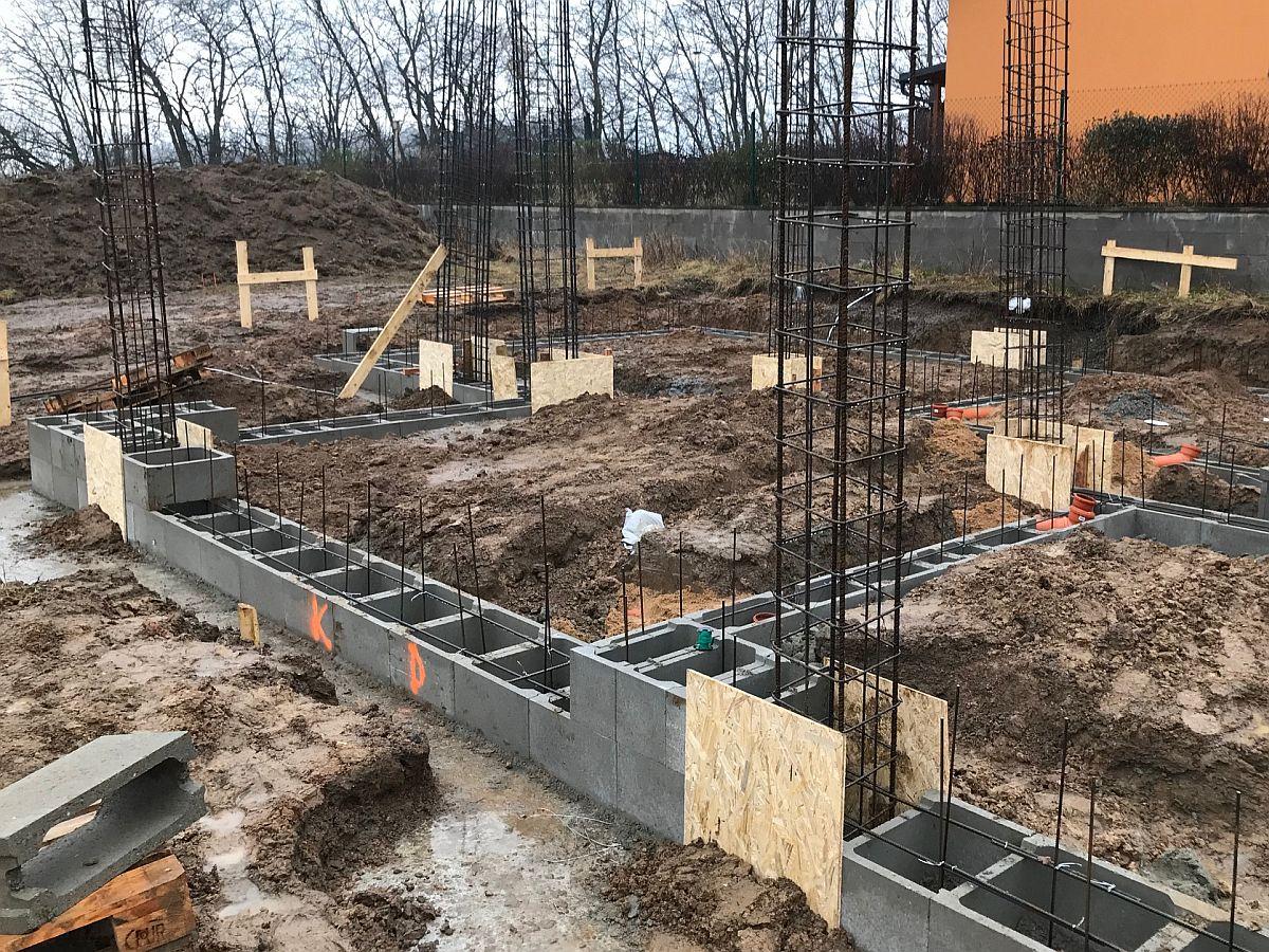 Příprava na betonování základové desky