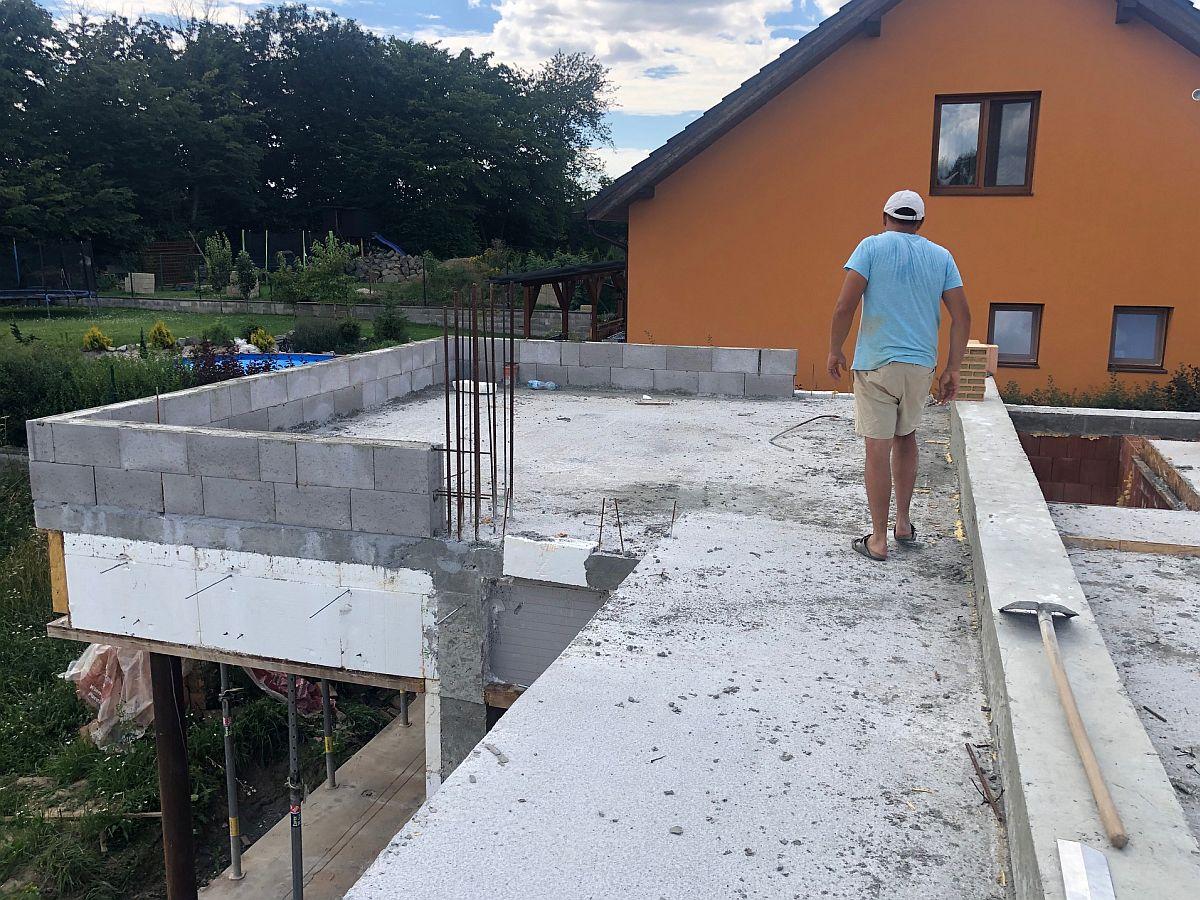 Hrubá stavba patra