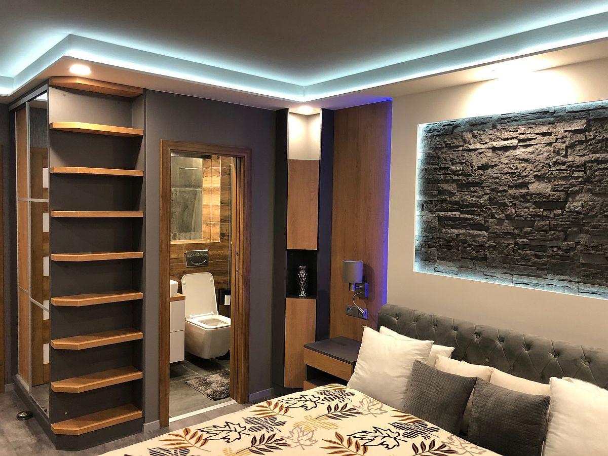 Luxusní byt 3kk na Božím Daru - ložnice se vstupem na WC