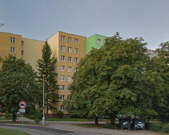 rekonstrukce bytu / Panelový dům - žánr