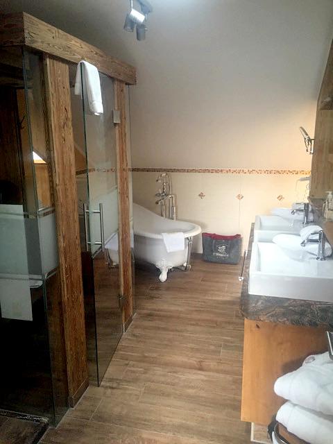 Rekonstrukce koupelny Praha, Hotel, 2017